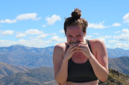 Here is an extremely attactive photo of me eating a sandwich I made with a bit of Marmite in it so I could have the strength and intelligence of a Kiwi whilst climbing the mountain. The stuff is growing on me believe it or not.