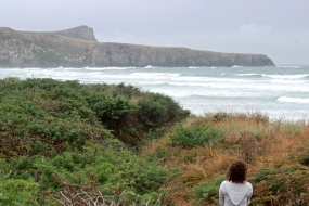 Glora sees the beach